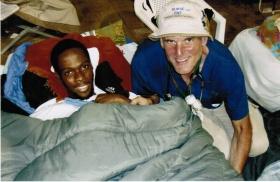 Ralf e Ayal no Hospital de Tendas da Universidade de Miami em Port–au–Prince