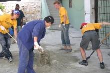 As obras de reconstrução num hospital de Port–au–Prince.